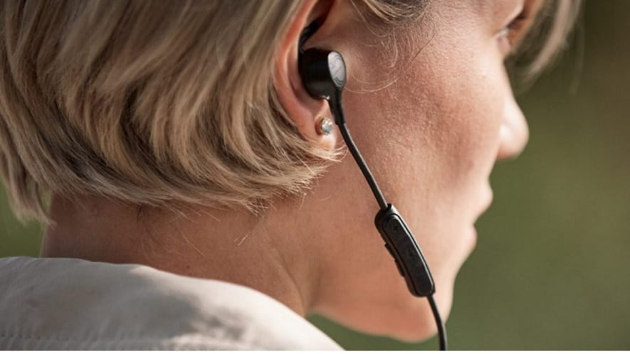 Bose Quiet Control 30 uses a neckband and in-ear design