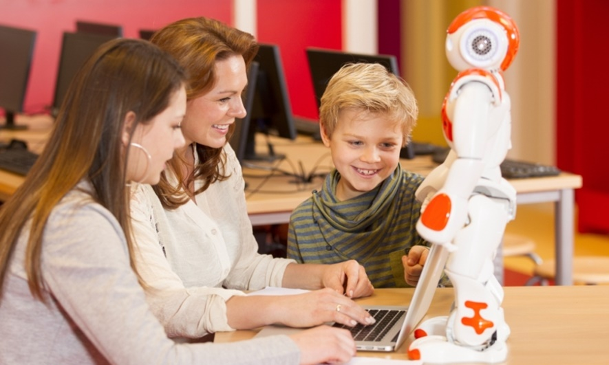 Robots are the new teachers of the future children