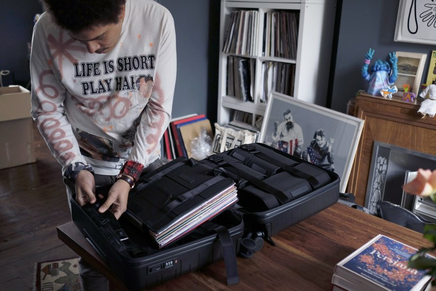 horizn studio seth troxler smart luggage dj
