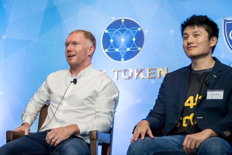 Paul Scholes on stage with Jason Sze (433 Token CEO)